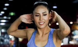 Nguyễn Thị Loan rèn vóc dáng chuẩn bị cho Miss Universe
