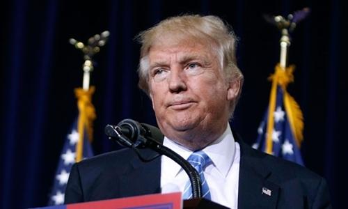 Donald Trump thừa nhận việc kinh doanh bị ảnh hưởng. Ảnh minh họa: Phoenix.
