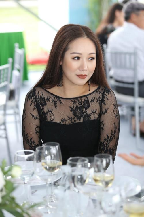 ngo-phuong-lan-du-su-kien-sau-apec-1