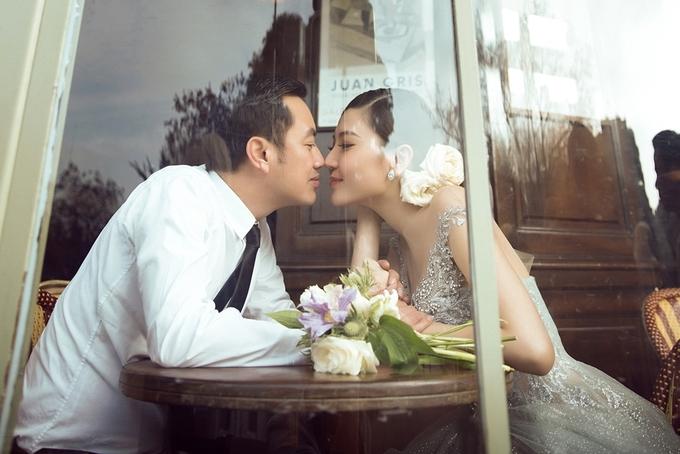 'Nữ hoàng sắc đẹp Toàn cầu' chụp ảnh cưới ở Paris