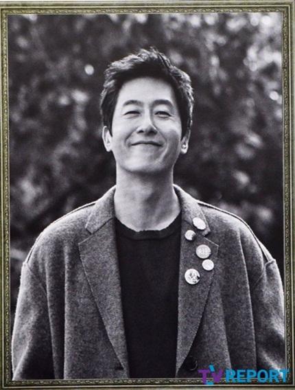 Theo Daum, nhiều người bật khóc khi thấy nụ cười của Kim Joo Hyuk trên di ảnh.