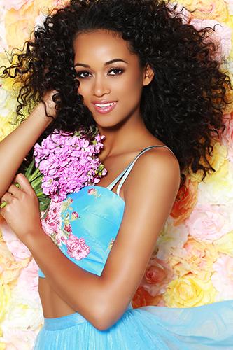 Nguyễn Thị Loan vào top 15 ảnh chân dung đẹp ở Miss Universe