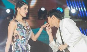 Rocker Nguyễn, Lan Khuê tình tứ khiến fan reo hò