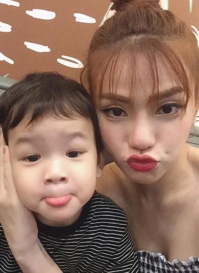 Con trai của vợ chồng Thu Thủy