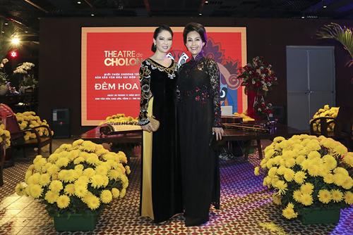 Đêm Hoa Lệ là đêm văn nghệ tôn vinh bản sắc văn hoá của Sài Gòn, thông qua một thể thức kịch ước lệ. Vở kịch dẫn dắt người xem tương tác với bối cảnh Sài Gòn trong quá khứ, từ thời khẩn hoang đầu thế kỷ 20 đến thời kỳ hoàng kim của văn nghệ sân khấu vào thập niên 50-60.