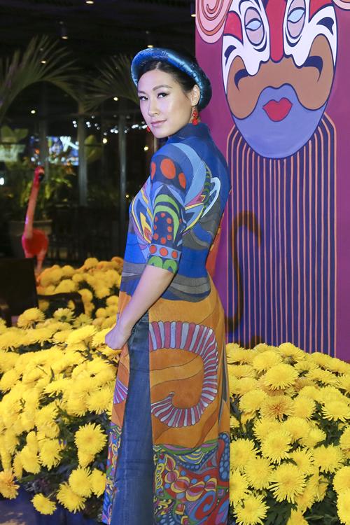 Khán giả ngoại quốc tham gia các tour khám phá Chợ Lớn có thể cảm thụ câu chuyện về nền văn minh quá khứ của Việt Nam nói chung và Sài Gòn - Chợ Lớn nói riêng.