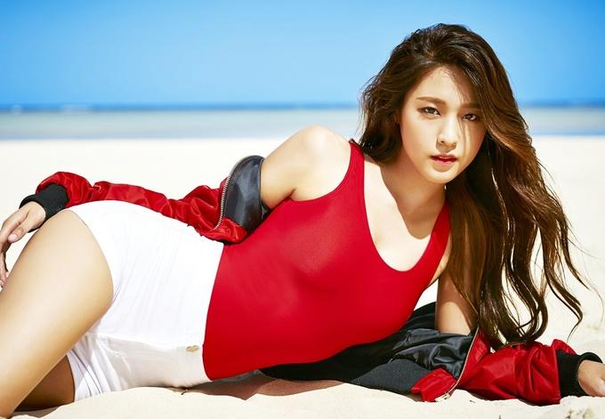 Gu thời trang của 'Sao ăn ảnh nhất Hàn Quốc'