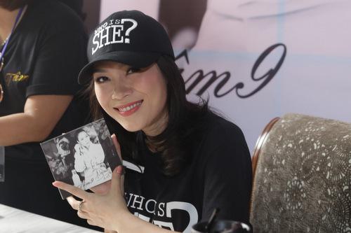 Album vol.9 được cô ấp ủ trong bốn năm qua. Trong ngày đầu phát hành, 5000 đĩa đã được tiêu thụ, chưa kể đơn đặt hàng qua mạng.