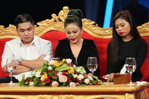 Lê Giang và hai con tâm sự trong chương trình.