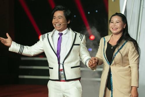 Ảo thuật gia Hoàng Khang và vợ.