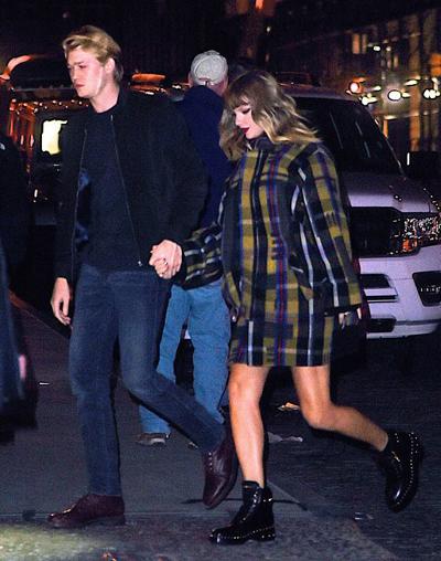 Ngày 10/12, trang TMZ đưa ra hình ảnh Taylor Swift hẹn hò với tình trẻ