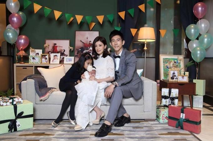 Cuộc sống của 'Triệu Mẫn' Giả Tịnh Văn khi cưới chồng trẻ