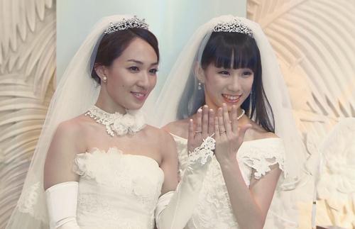 Hồi tháng 5, Hochi, Ayaka Ichinose nói cô và Akane Sugimori đường ai nấy đi không phải vì đối phương không tốt mà vì họ không còn tiếng nói chung. Akane Sugimori xin lỗi những người từng ủng hộ mối quan hệ đồng tính của cô.