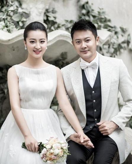 Tài tử Ấn Tiểu Thiên và vợ ly hôn sau chưa đầy hai năm chung sống.
