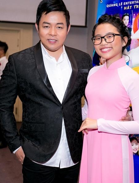 Quang Lê bên con gái nuôi - ca sĩ Phương Mỹ Chi.