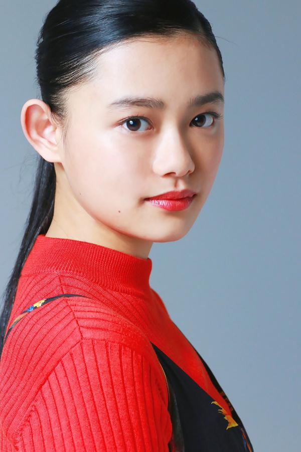 <p> Hana Sugisaki - diễn viên sinh năm 1997 - xếp thứ chín. Năm 2017, cô tham gia các phim<em>Blade of the Immortal</em>,<em>Reverse</em>.</p>