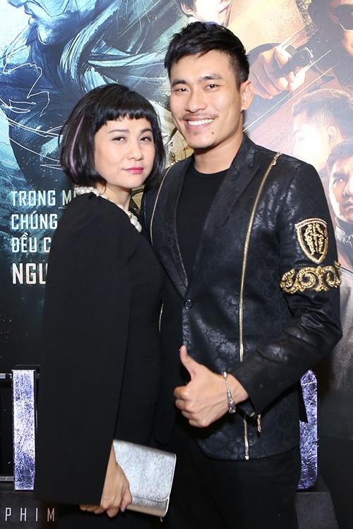 Nhã Phương, Vũ Ngọc Anh mặc xuyên thấu dự ra mắt phim