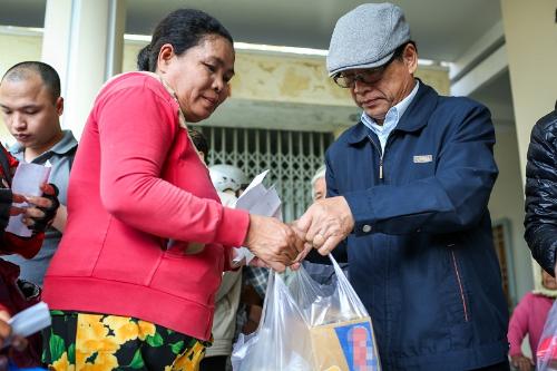 Only C, Ái Phương xót xa trước những mảnh đời sau bão Damrey ở Khánh Hòa - 5