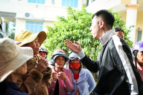 Only C, Ái Phương xót xa trước những mảnh đời sau bão Damrey ở Khánh Hòa - 4