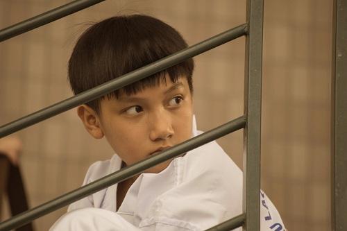 Bé Gia Bảo sinh năm 2006, từng tham gia hai phim điện ảnh Để Mai tính 2 và Tốc độ và đường cong,cũng như nhiều phim truyền hình.