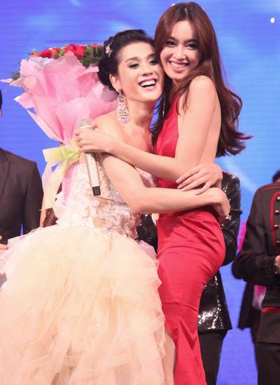 Lâm Chí Khanh trong liveshow đầu tiên kể từ khi chuyển giới, diễn ra năm 2013. Khiến công chúng kỳ vọng nhiều nhưng chương trình này cũng