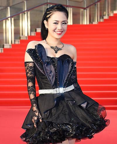 Sola Aoi trên thảm đỏ Liên hoan phim quốc tế Tokyo 2015.
