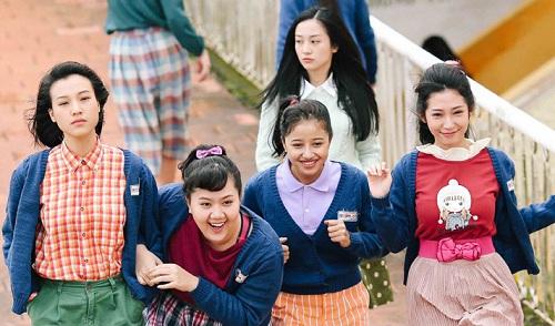 Dàn diễn viên trẻ trong Tháng năm rực rỡ.