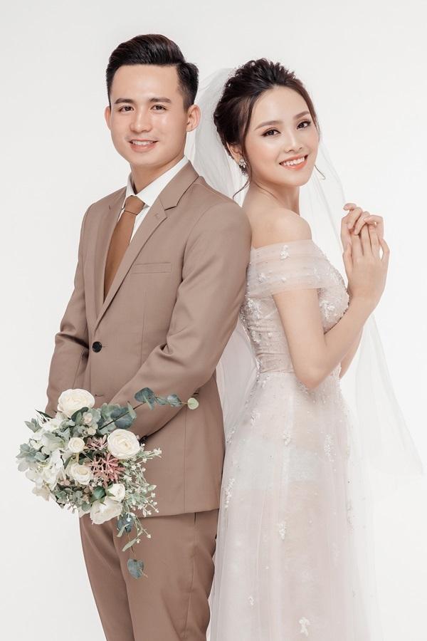 Ảnh cưới của Tố Như và hot boy cảnh sát