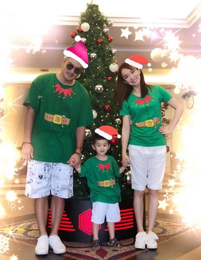 Bà mẹ một con thường đăng ảnh gia đình trên Weibo, thể hiện tình yêu dạt dào với chồng, con.