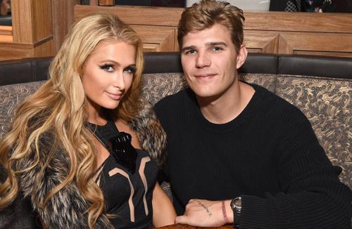 Paris Hilton là tiểu thư giàu có, trong khi Chris Zylka có nhiều năm khốn khó.