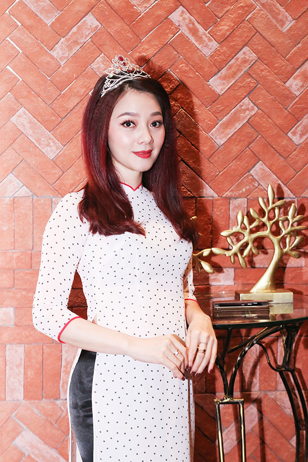Á hậu Quý bà thế giới 2009 - Hoàng Yến đảm nhận vai trò giám khảo của cuộc thi