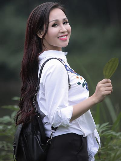 Sao Mai Khánh Ly hát về nỗi nhớ xa quê