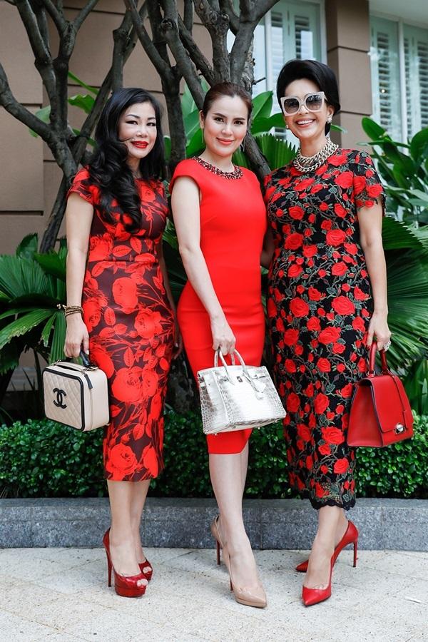 Diễm My, Kiều Khanh cùng diện đầm đỏ đi tiệc