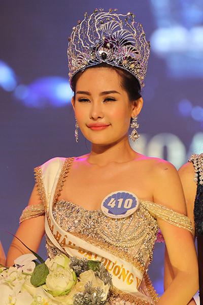Hoa hậu Đại dương Lê Âu Ngân Anh thừa nhận từng sửa mũi nhưng vẫn đoạt vương miện trong đêm chung kết.