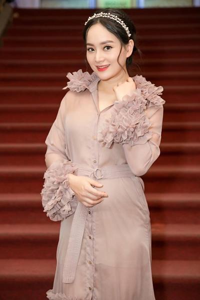 Nhan sắc tuổi 35 của Lan Phương.