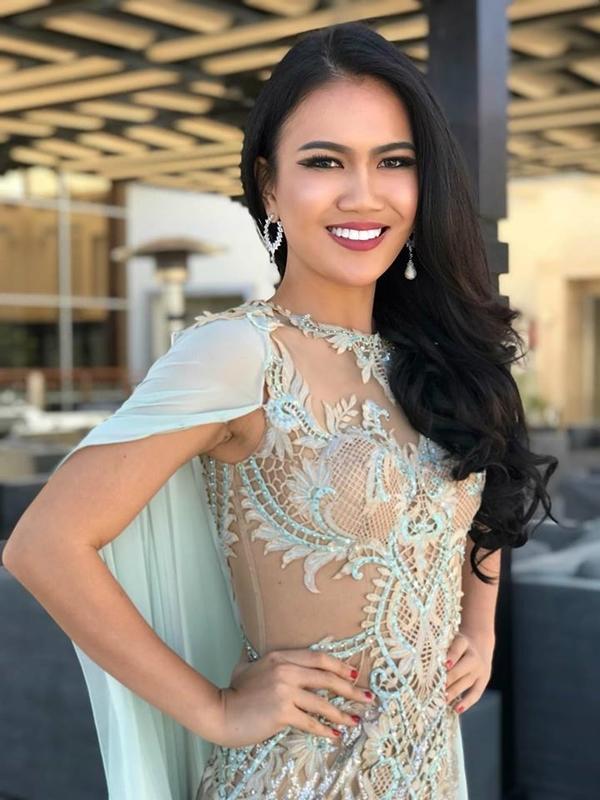 Tường Linh và dàn thí sinh Hoa hậu Liên lục địa chụp ảnh ngoại cảnh