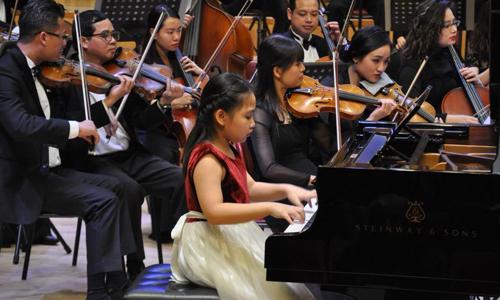 Các nghệ sĩ nhí tham gia biểu diễn đến từ trường phổ thông trung học không chuyên về âm nhạc tại Hà Nội. Nguyễn Hoàng Anh  10 tuổi  là học sinh nhỏ tuổi nhất. Lần đầu biểu diễn cũng Dàn nhạc, cô bé tỏ ra tự tin và phối hợp ăn ý với nhạc trưởng Honna Tetsuji. Hoàng Anh từng giành giải ba cuộc thi International Grand Music Competition, NewYork 2017. Tại đêm nhạc, bé thể hiện chương một Concerto số 3 Op của Kabalevsky