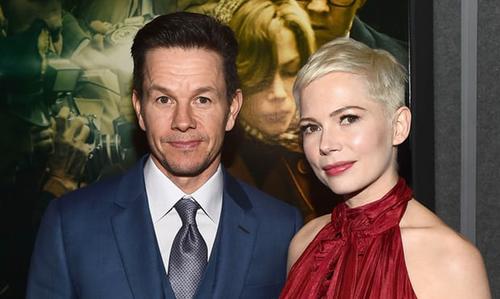 Mark Wahlberg ủng hộ 1,5 triệu USD, dưới tên của Michelle Williams.