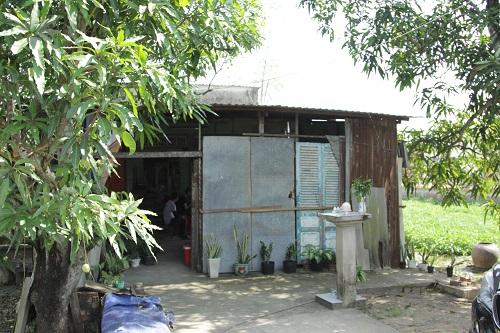 Ngôi nhà ọp ẹp, chắp vá của gia đình Kim Hoàng.