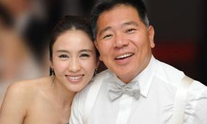 Lê Tư và chồng đại gia mặn nồng sau 9 năm cưới