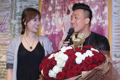Sao Việt cầu hôn - người gây cảm động, kẻ bị chê làm lố - 1