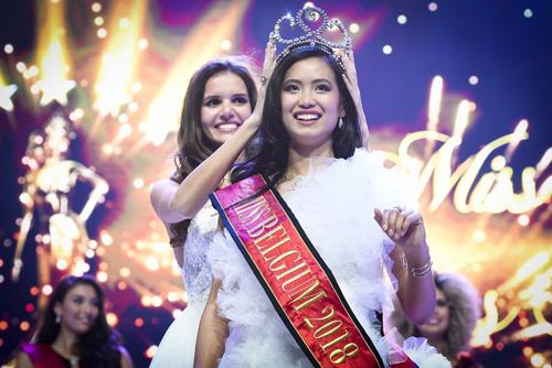 Cuộc thi Hoa hậu Bỉ 2018 được tổ chức cuối tuần trước tại thành phố De Panne với sự tham gia của 29 thí sinh. Người đẹp Angeline Flor Pua đăng quang ngôi hoa hậu.