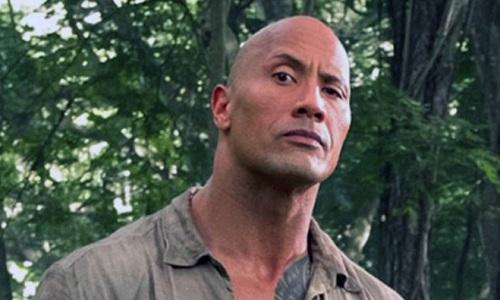Phim của The Rock ba tuần liên tiếp đứng đầu phòng vé Mỹ.