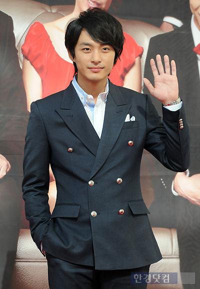 Jeon Tae Soo chống trọi bệnh trầm cảm nhiều năm.