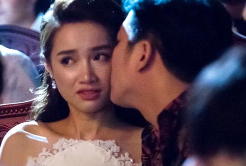 Trường Giang xin lỗi vì cầu hôn Nhã Phương ở lễ trao giải