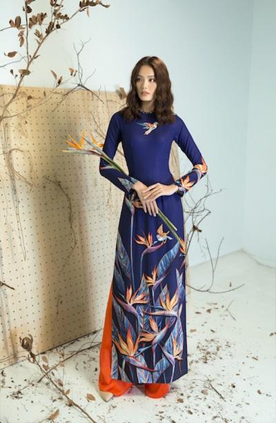 Nhà thiết kế Liên Hương vừa ra mắt bộ sưu tập áo dài dành cho dịp Tết 2018 mang tên Thiên điểu.