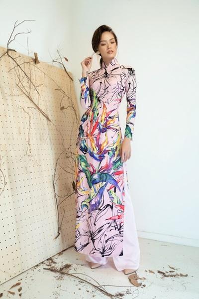 Áo dài họa tiết cánh chim, lá cây của Liên Hương - 9