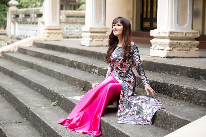 Sắc vóc của Hoa hậu Kiều Khanh ở tuổi 49