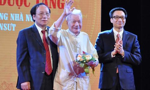 NSND Trần Bảng - 'ông trùm chèo' thạo công nghệ tuổi 92