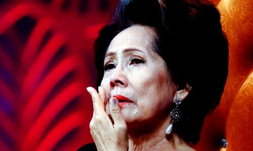 Danh ca Phương Dung khóc nhớ cố nhạc sĩ Anh Bằng.